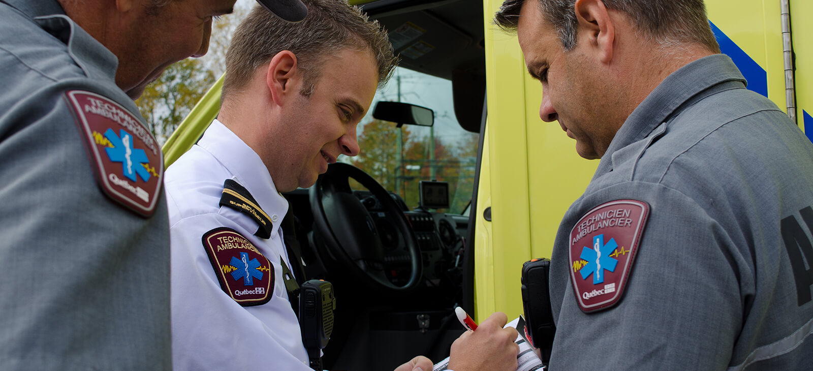 Superviseur et paramédics (Photographe Vicky Brunoro-Laporte)